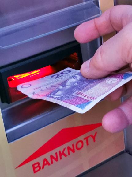Płatność banknotami ale tylko przez rozmieniarkę